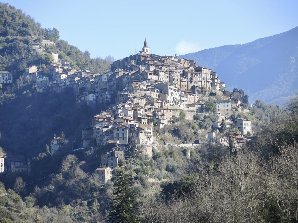 Saturday 12th October – Guided tour and lunch in the medieval village of Apricale, Italy. A pretty village in the forested hills of Liguria.